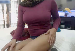 Desi Booby Camgirl Samira HD Cam Videos Part 1