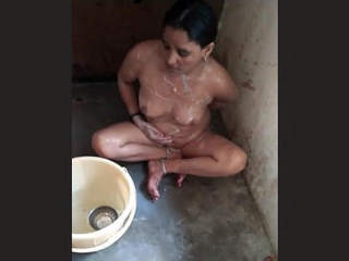 Indian Hot Wife Bathing
