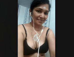 Desi Bhabhi Nude Selfie Videos Part 2