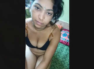 Desi Beautiful Gf Pussy Captured By lover