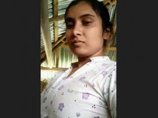 Bengali desi Hot Village Girl Nude And Bathing Videos Part 1