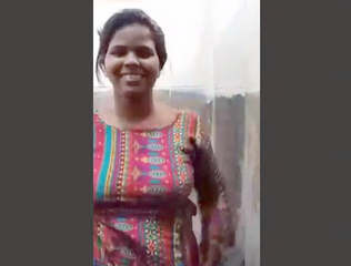 Bangladeshi Hot Girl Bathroom Video Call