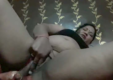 Enjoy the horniest milf