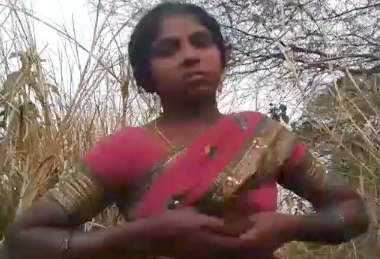 Village bhabhi fucking in Jungle
