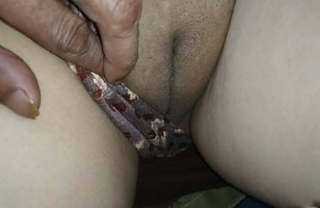Desi husband play with his wife's pussy