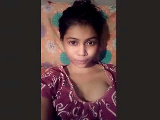 Cute Desi Girl Showing Boobs and Pussy