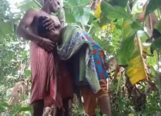 Bangla Bhabi Affair With Debar Blowjob & Fucking In Banana Khet
