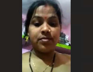 Desi Hot Bhabhi Masturbate On Bed