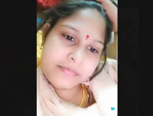 Beautiful Khushboo Bhabi Showing Pussy And Bigboobies On Live