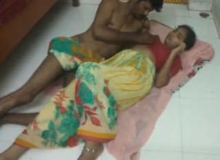 Famous Indian Village Couple Romance and Fucked New Video