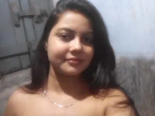 Very horny desi hot girl mms part 3