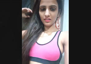 Desi Hot Babe Small clips merged
