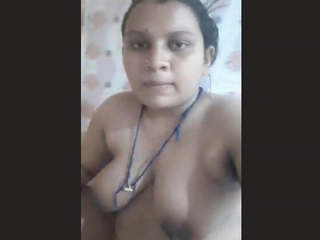 Bangladeshi Girl Fingering in Bathroom