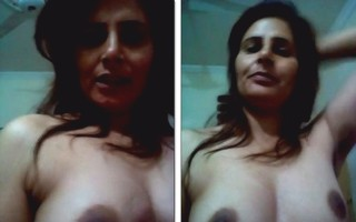 Desi chick hot nude show